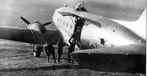 Li-2 Soviet Russian transport WW2 foto