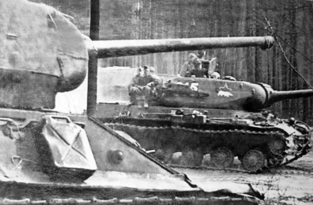 op basis van de wapenrusting van de ijsbeer ИС2 IS2 JS2 JS-2 IS-2