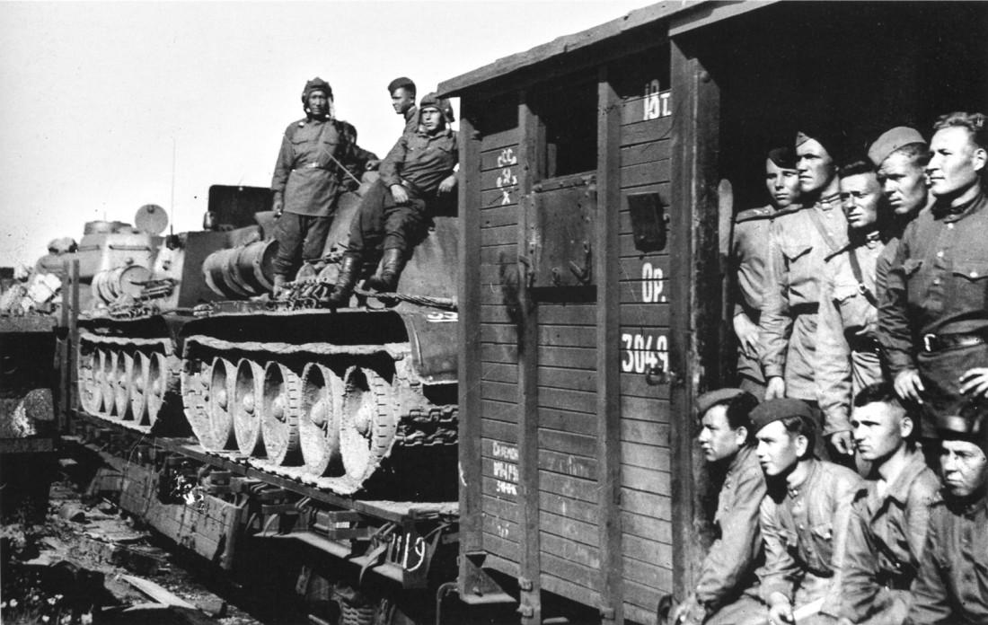 """Наш """"Бессмертный полк"""": Военный и трудовой подвиг уральцев"""